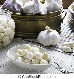 Square composition of garlic