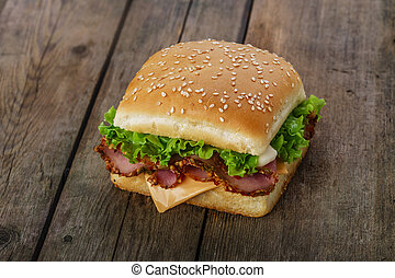 square sandwich with ham and cheese