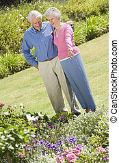 stálý, představený kuplovat, zahrada