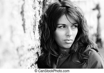 stående, av, 25-years-old, flicka, utomhus