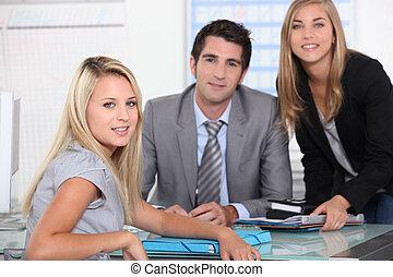stående, av, a, affärsverksamhet lag