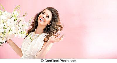 stående, av, a, förtjusande, ung kvinna