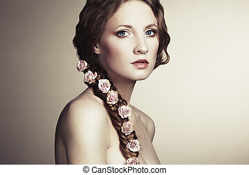 stående, av, a, vacker kvinna, med, blomningen, in, henne,...