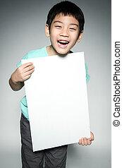 stående, av, asiatiskt barn, med, tom, tallrik, för,...