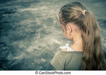 stående, av, tråkigt barn