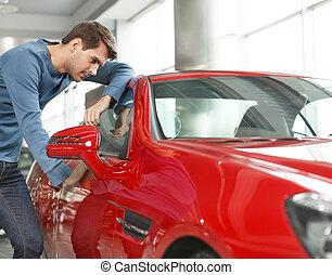 stående, bil, insida, män, den, ungt se, bil., önskan, sport, min, röd, stilig
