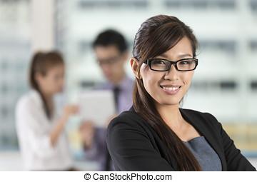 stående, kvinna, kontor, affär, asiat