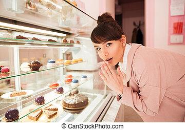 stående, kvinna, utställningsmonter, glas, främre del, ...