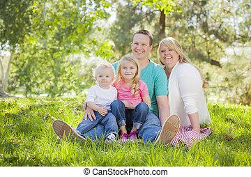 Stående, Parkera, ung, familj, attraktiv