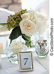 stół, dekoracje