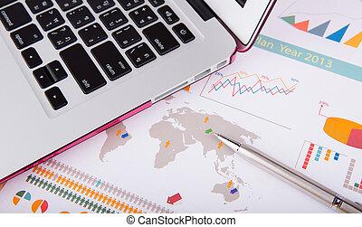 stół, laptop, finansowy, wykresy, pióro