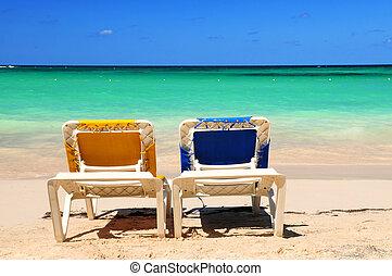 stühle, sandstrand, sandig