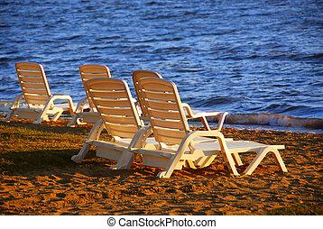 stühle, sandstrand