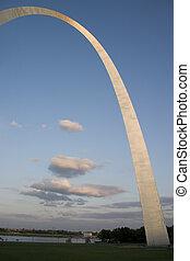 St Louis Gateway Arch at dusk