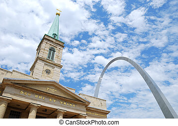 St. Louis sityscape - Old Cathedral Basilica and Gateway...