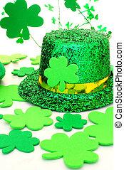 St Patricks Day hat and decor - Shiny St Patricks Day hat...