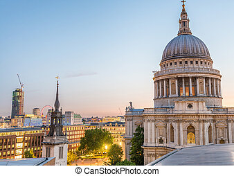 St Paul Cathedral at night, London