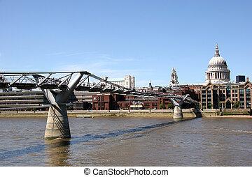 st. pauls, そして, 千年間 橋