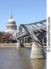 st. pauls, そして, 千年間 橋, ロンドン