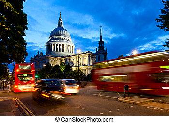 St Pauls Cathedral at dusk