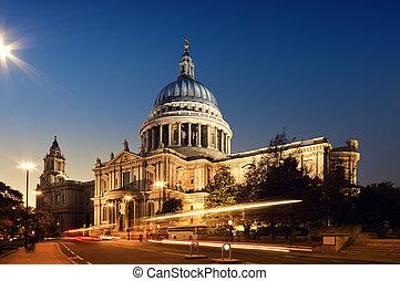 St Pauls Cathedral. London at night