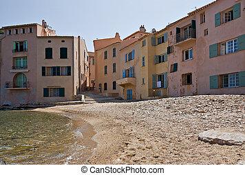 St-Tropez beachfront homes