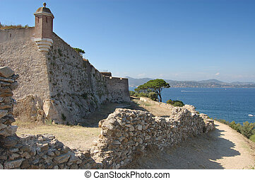 St TRopez castle walls and bay