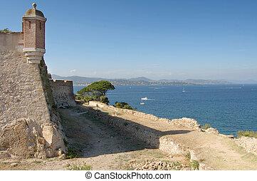 St Tropez castle walls looking north