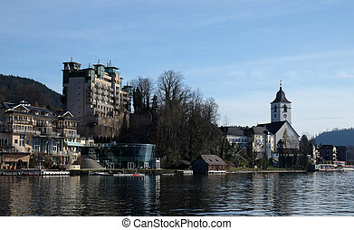 St. Wolfgang village waterfront at Wolfgangsee lake in ...