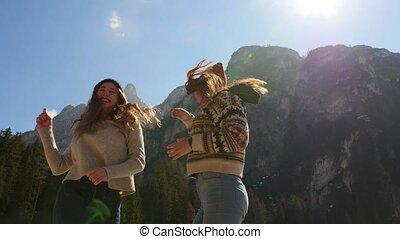 staand, bergen, mensen, jonge, twee, traveling.,...