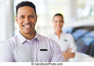 staand, collega, voorkant, verkoper, auto