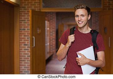 staand, hallway, het glimlachen, student, mooi