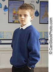 staand, klaslokaal, school, primair, pupil, verticaal, mannelijke