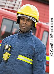 staand, motor, vuur, brandweerman, voorkant, verticaal