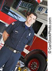 staand, vuur, voorkant, motoren, brandweerman
