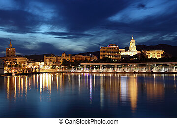 stad, dusk., malaga, andalusia, spanje, verlicht