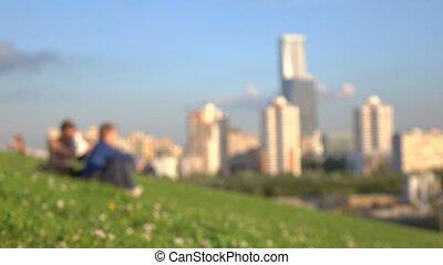 stad, grit, mensen zittende, park, jonge, tegen, bokeh,...