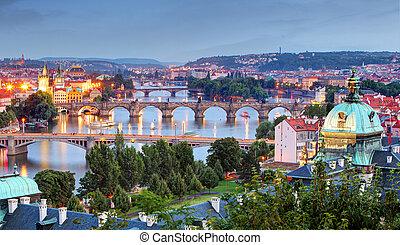 stadsbild, Prag, skymning