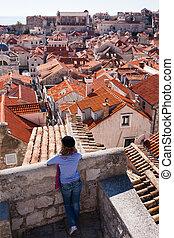 stadt, altes , tourist, dächer, dubrovnik, aus, schauen