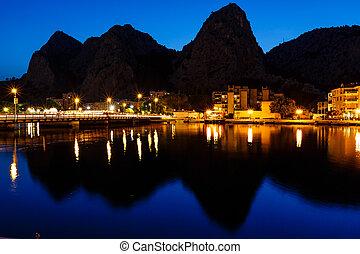 stadt, berg, erleuchtet, cetina, omis, silhouetten, ...