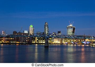 stadt london, an, dämmerung