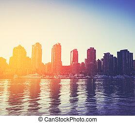 stadt skyline, sonnenuntergang