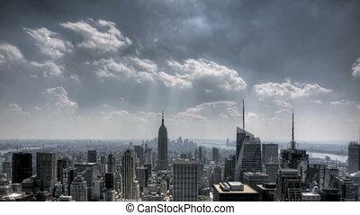 stadtzentrum, nyc, wolkenhimmel, sunrays