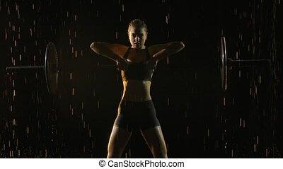 staged, light., studio, haut., bar., coup, levage, poids, séance entraînement, jeune, lent, pluie, motion., exécuter, barbell., confiant, sombre, exercice, deadlift, portrait, fin, femme, femme