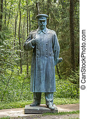 Stalin monument in bronze - Stalin monuments, like paintings...