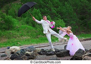 stallknecht, mit, schirm, und, braut, -, wedding, witz