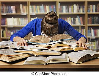 stanco, libri, studiare, biblioteca, in pausa, leggere, libro, studente, ragazza