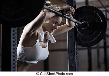stanco, ragazza, secondo, sollevamento peso