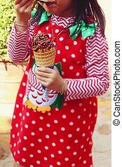 stand., 女の子, 食べること, アイスクリーム