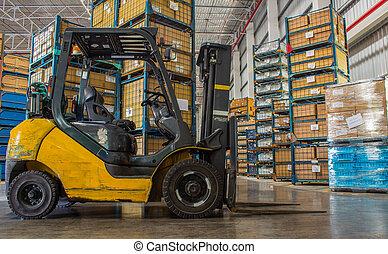 standaard, kleine, gas, motor, vrachtwagen, lift, in, de, factory.